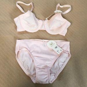 Wacoal pink floral pattern bra & panty set